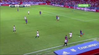 VIDEO: Sergio Busquets roulette skill vs Sevilla