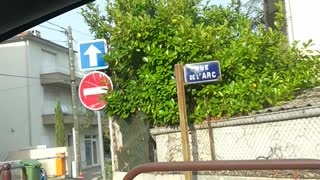 Contradictory Street Signs - Video