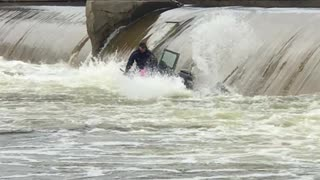Lucky Men Survive Being Capsized