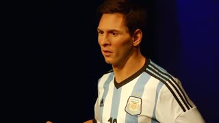 Messi wax double poised for a goal - Video