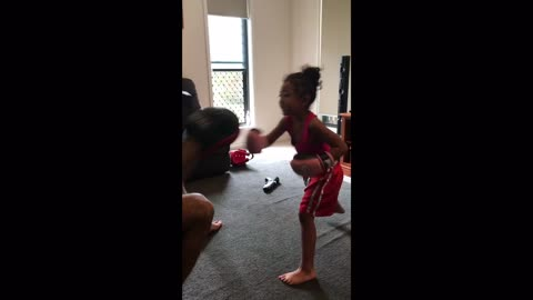 4-year-old shows off her impressive boxing skills!