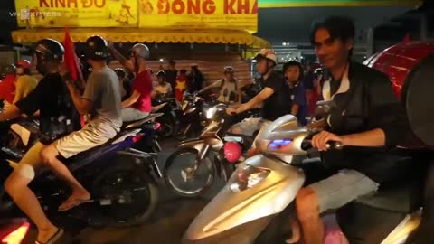 Pans and toy trumpets: This is how Vietnam cheers historic football victory