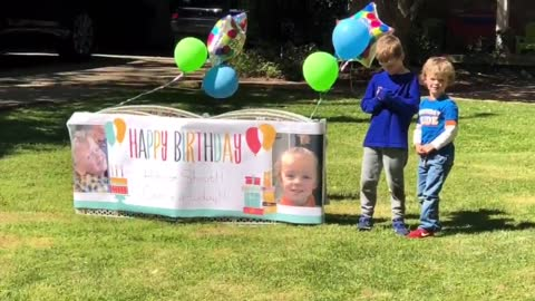 Police Officers give birthday boy a special visit