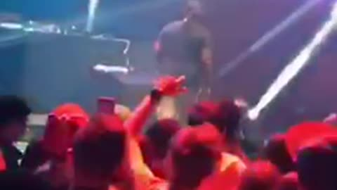 T pain gets hit by ball on stage and leaves mid performance