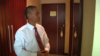 Stardom calls for Chinese Obama lookalike - Video
