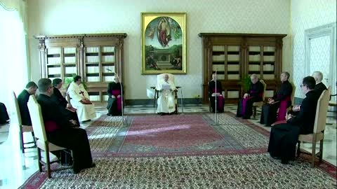 Pope calls for release of Myanmar political prisoners