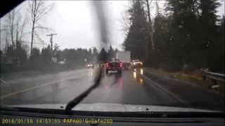 Driver passes out, heads into oncoming traffic - Video