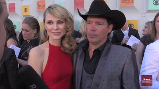 Clay Walker talks about managing with Multiple Sclerosis | Rare Country - Video
