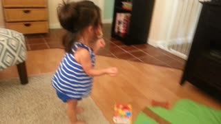 Toddler's hilarious reaction to Netflix - Video