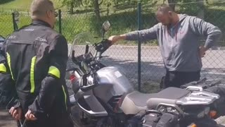 Mischievous Motorcyclist Causes Friend Some Confusion