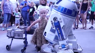 Adorable Toddler Shares Magical Moment with her Favorite Droid