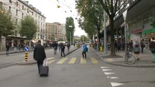 Switzerland avoids recession - Video