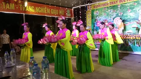 When widows in rural areas perform dance art
