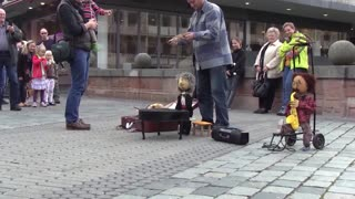 Very funny marionette street performer