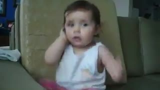 Hilarious! Baby talking on the phone - Video