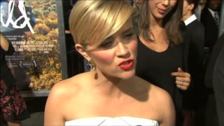 Reese Witherspoon named 'best-dressed' - Video