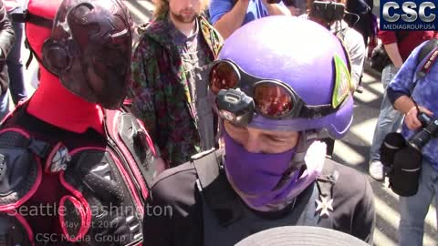 """Two """"Vigilantes For Peace"""" Show Up At #MarchAgainstSharia Event In Seattle"""