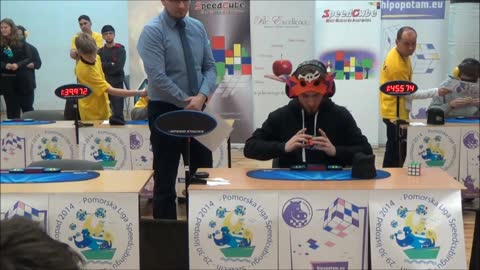 Guy Breaks World Record By Solving Rubik's Cube Blindfolded