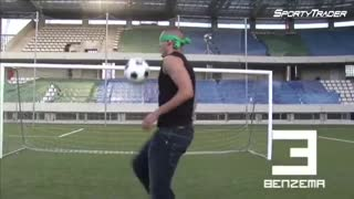 Ronaldinho football skills - watch video - Video