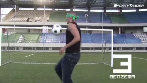 Ronaldinho football skills - watch video