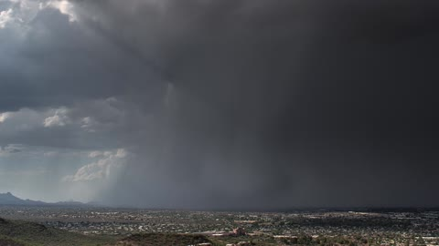 Time lapse: Stunning microburst thunderstorm in Arizona
