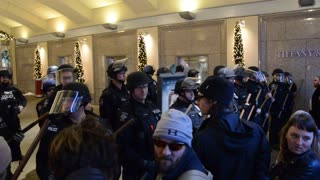 Riot Police in Seattle on Black Friday - Video