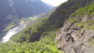 Stunning wingsuit proximity flying in Norway - Video