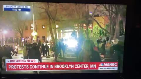MSNBC Films Thugs Looting Dollar Star – Attack MSNBC on Live TV – Tell Them to Go the F&$k Home