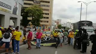 Más videos de paro de taxistas Bucaramanga - Video