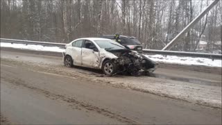 Cars Crash on Icy Russian Road - Video