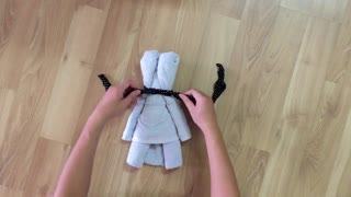 How to make a teddy bear using a towel