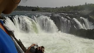 Watch this beautiful scene of Dhuandhar falls,Bhedaghat,Jabalpur, india   - Video