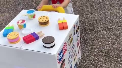 Baby boy shows off epic & adorable ice cream man costume