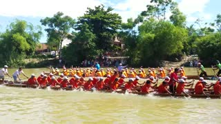 Vietnamese folk game: Boat racing