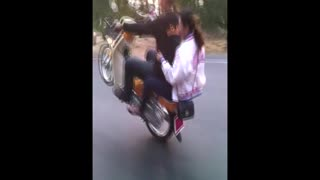 Doing a Wheelie on a Motorbike - Video