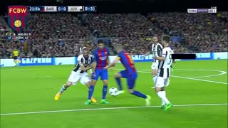 Iniesta humilla a Chiellini - Video