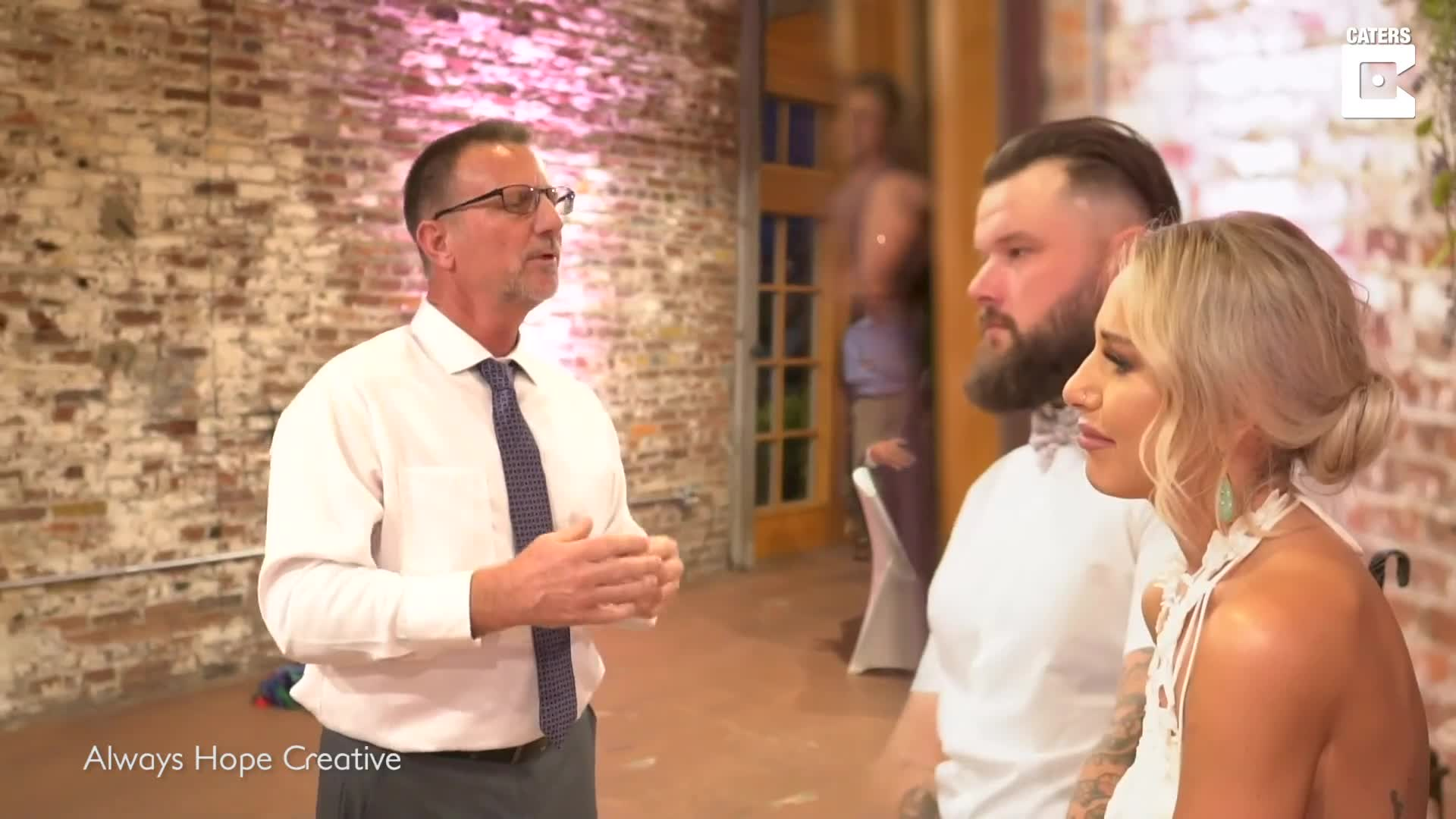 DOTING DAD USES SIGN LANGUAGE TO PERFORM EMOTIONAL SONG FOR DAUGHTER WHO USED TO COMMUNICATE THROUGH ASL AT HER WEDDING
