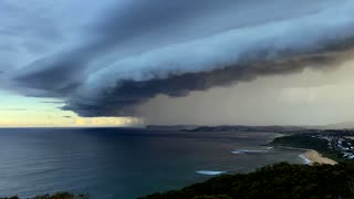 Stunning Storm Cell Over Sydney