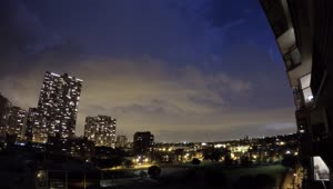 Time lapse: Rolling lightning storm travels over Chicago - Video