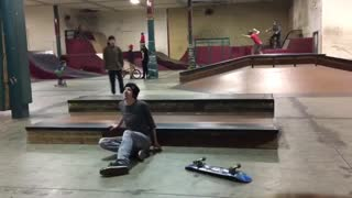 Chris skateboard fail montage - Video