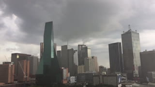 Freak storm hits Dallas downtown - Video