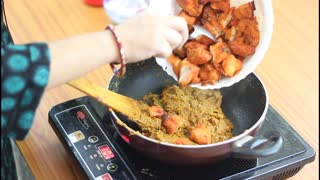 Chicken tikka masala: Restaurant style - Video