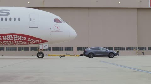 Tesla Model X Breaks Electric Tow Record After Pulling Boeing 787 Dreamliner