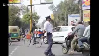 India's dancing cop spreads traffic awareness, reduces accidents - Video