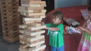 16 Mischievous Kids Who Need To Learn How To Play - Video