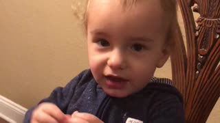 Baby learned his first word in sign language  - Video