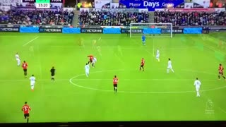 GOOOAL!! Ibrahimovic scores his second goal v Swansea - Video