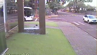 Kid Accidentally Runs Through Glass - Video