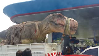 Giant T-Rex Arrives in Thailand - Video