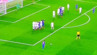 Neymar Amazing Free Kick Goal vs Paris - Video